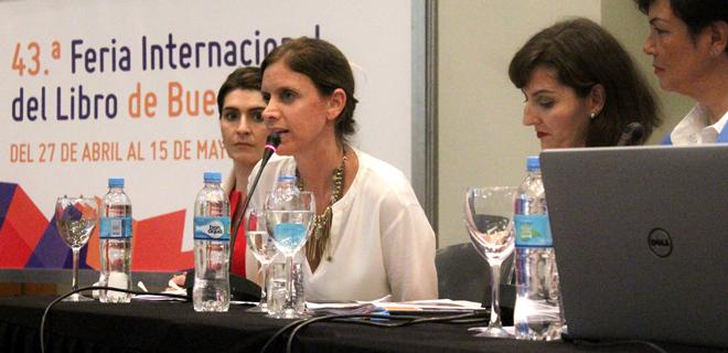 La Dra. Bendel disertó en la 43º Feria del Libro